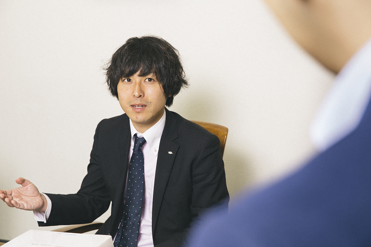 Sales in-charge Mr. Takehiko Ban of the Second Sales Department
